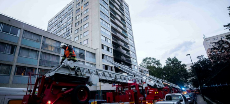 Incendie violent dans un immeuble de Vitry, pas de blessés