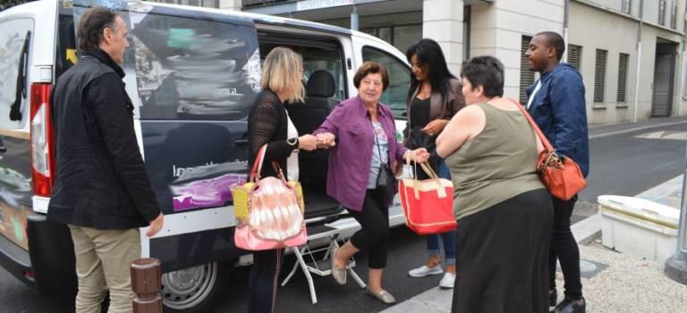 Un minibus pour les personnes âgées à Villejuif
