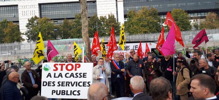 Défense de la Poste en Val-de-Marne : Bercy pose un lapin à la délégation