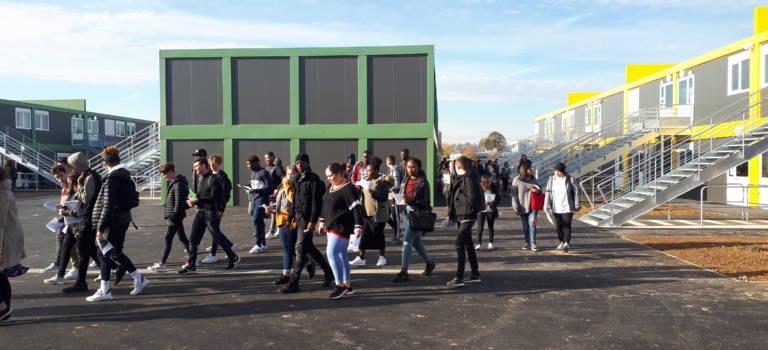 Soulagement après la livraison du lycée provisoire Brassens à Villeneuve-le-Roi