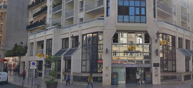 Vincennes et Saint-Mandé: les facteurs s'adressent aux usagers et manifestent