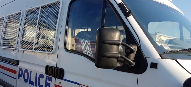 La Queue-en-Brie : un véhicule fonce sur un policier