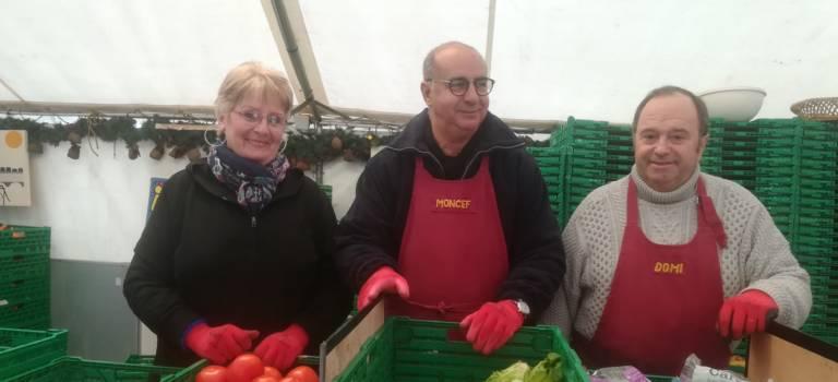 Restos du coeur à Champigny-sur-Marne: les septuagénaires bénévoles toujours au taquet