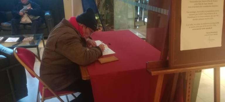 Val-de-Marne : ce que les citoyens écrivent sur les cahiers de doléance