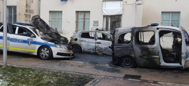 Villejuif  : quatre voitures de la police municipale incendiées