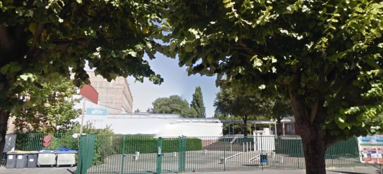 Les parents d'élèves occupent le collège Vallès à Choisy-le-Roi