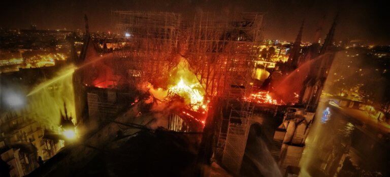 Mobilisation totale pour Notre-Dame de Paris après l'incendie