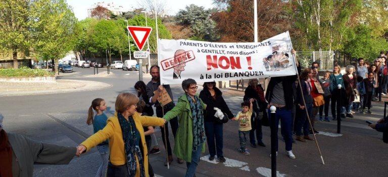 250 directeurs d'écoles du Val-de-Marne contre la loi Blanquer