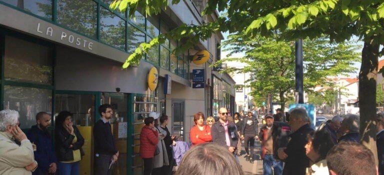 Manif contre la réduction des horaires de la Poste à Champigny-sur-Marne
