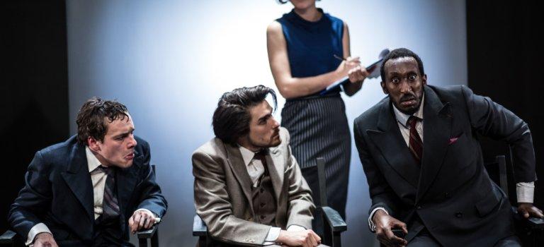 Nous sommes de ceux qui disent non à l'ombre: théâtre à Fresnes