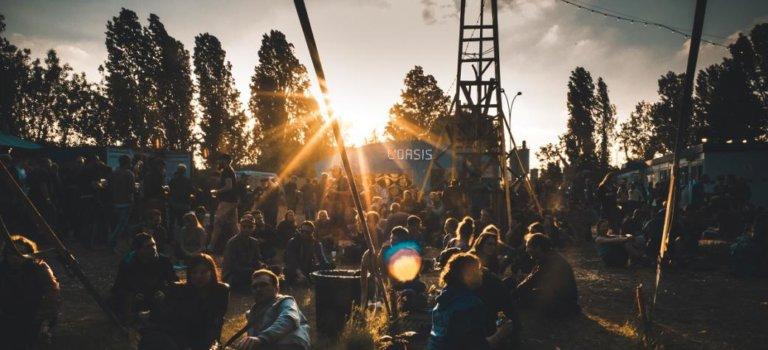 Trois chapiteaux pour le festival Sur les pointes à Vitry-sur-Seine