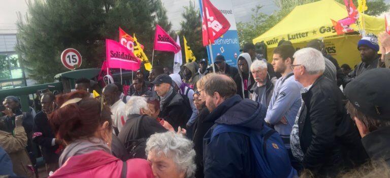 Les grévistes sans-papiers d'Alfortville manifestent au siège de Chronopost