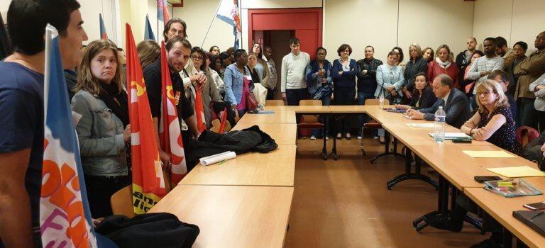 Colère contre les fermetures de trésoreries en Val-de-Marne