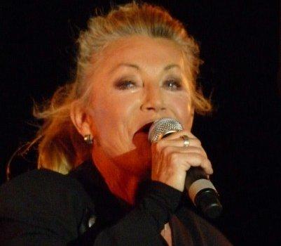 Sheila en concert à Thiais pour la fête de la musique 2019
