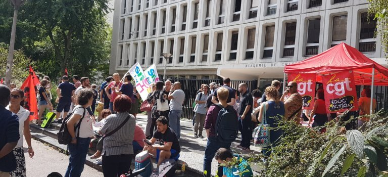 Manif de profs contractuels sans poste au rectorat Créteil