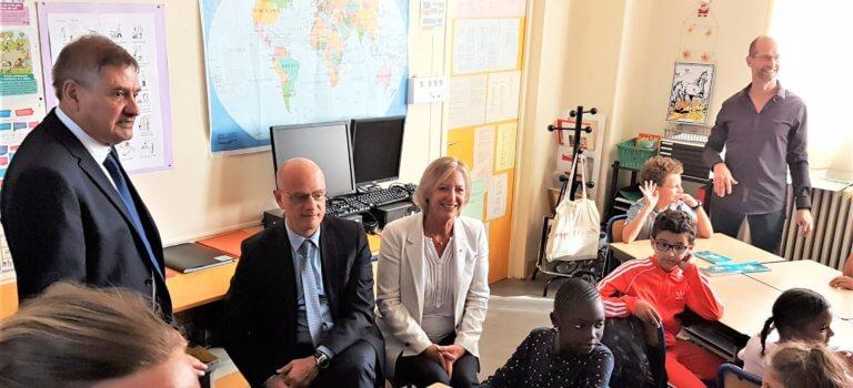 Accompagnement du handicap à l'école: manifestation à Créteil