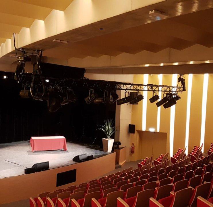 Cresco Saint Mande Auditorium