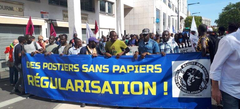 La marche nationale pour la régularisation des sans papiers traverse le Val-de-Marne