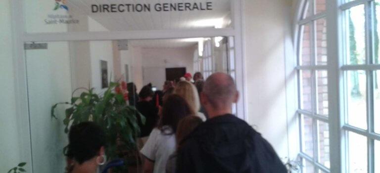 Hôpitaux de Saint-Maurice : occupation du bureau de la directrice