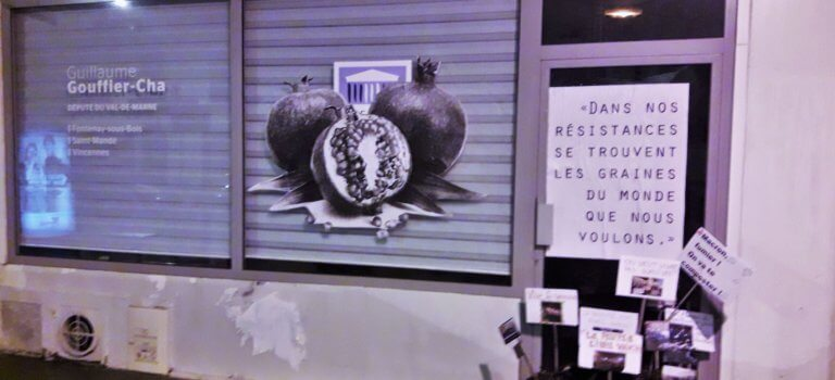 Vincennes: du fumier devant la permanence du rapporteur Guillaume Gouffier-Cha