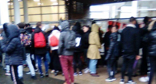 Epreuves continues du bac: boycott d'élèves au lycée Gutenberg de Créteil