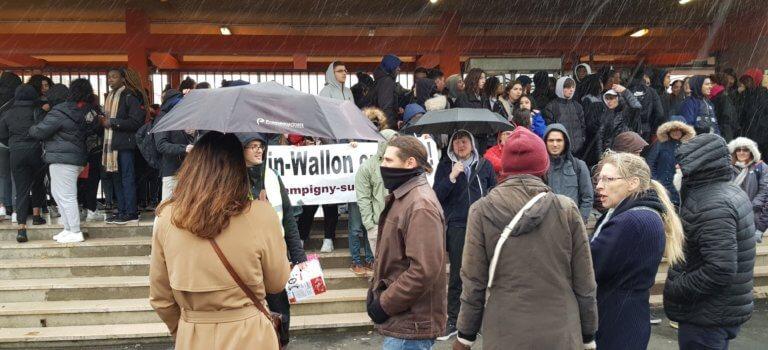 Val-de-Marne: blocages d'épreuves du bac et funérailles fictives