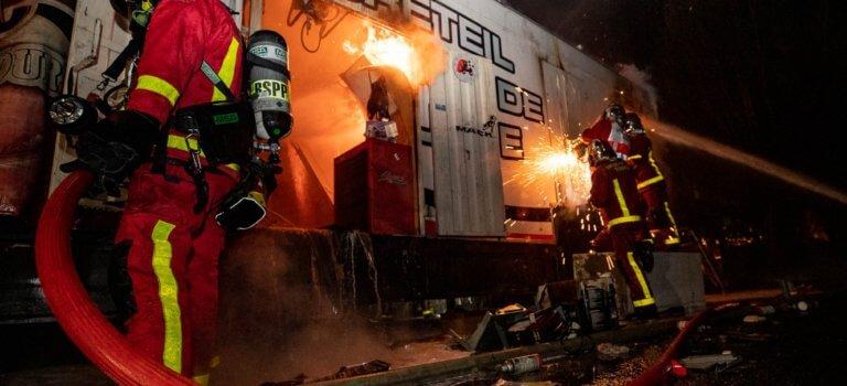Créteil: incendie d'un fourgon de l'administration pénitentiaire