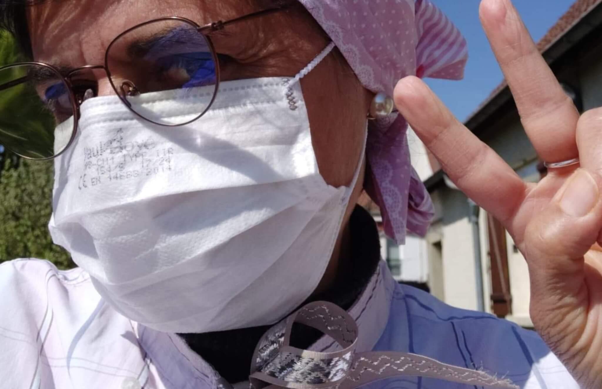 Noiseau: les cousettes bénévoles ont déjà livré 1000 sur-blouses aux soignants