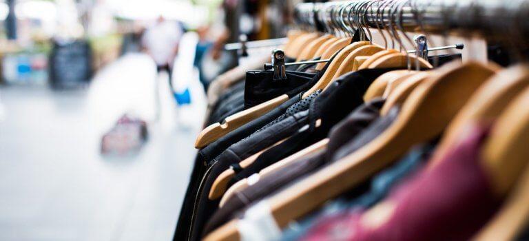 Réouverture des magasins de vêtements en Val-de-Marne: casse-tête sanitaire et sprint avant les soldes