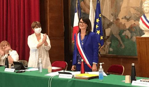 Cachan élit son exécutif autour de Hélène Comarmond