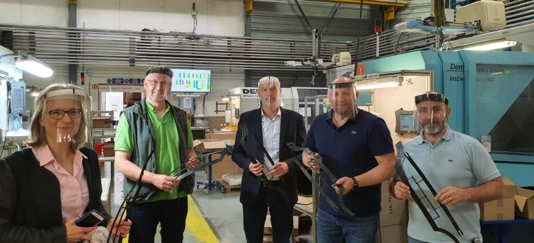 Visières de protection made in Périgny : quand un partenariat local protège la santé et les emplois