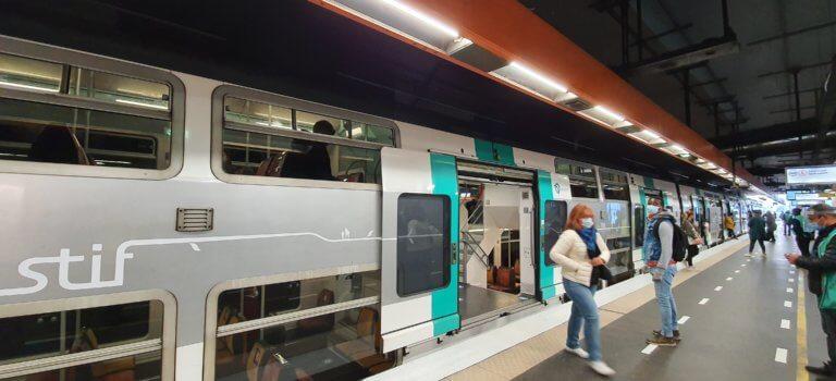 Ile-de-France: entre 60% et 100% du trafic dans les RER, métros, tramways et bus