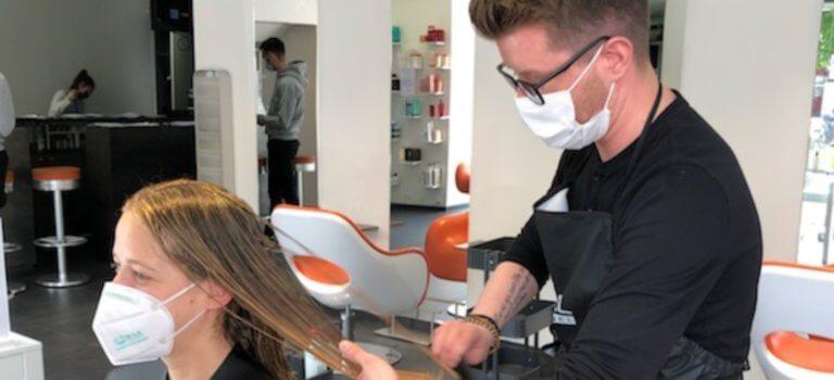 Bry-sur-Marne: les salons de coiffure ont retrouvé leurs couleurs