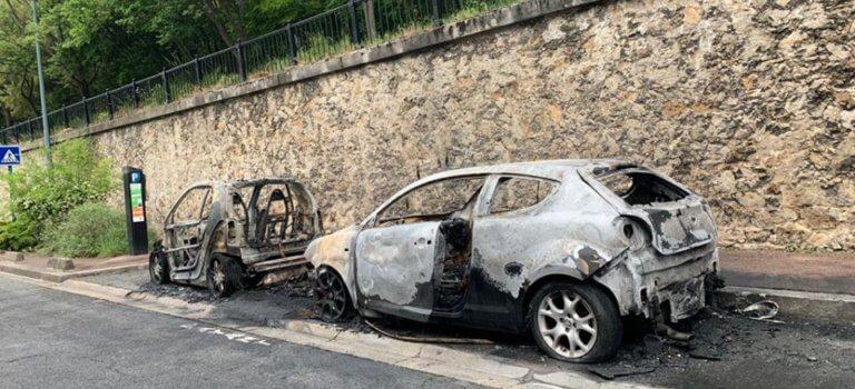 Saint-Maurice : une quinzaine de véhicules détruits par un incendie