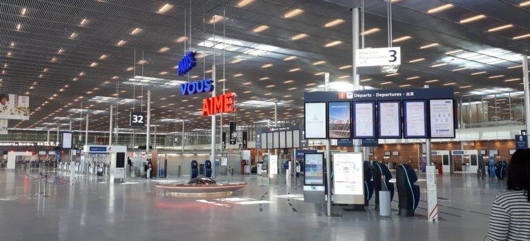 Neuf migrants voyageant en jet privé interpellés à Orly