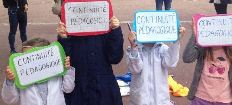 Sit-in de parents d'élèves pour réclamer un plus grand retour à l'école à Nogent-sur-Marne