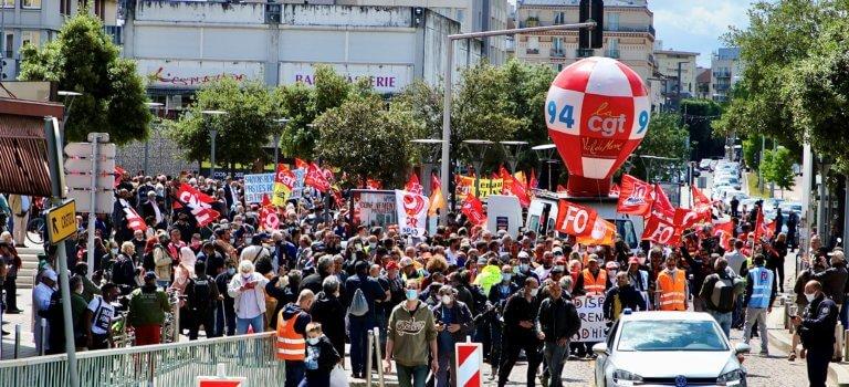 Un millier de personnes dans la rue pour sauver l'usine Renault de Choisy-le-Roi