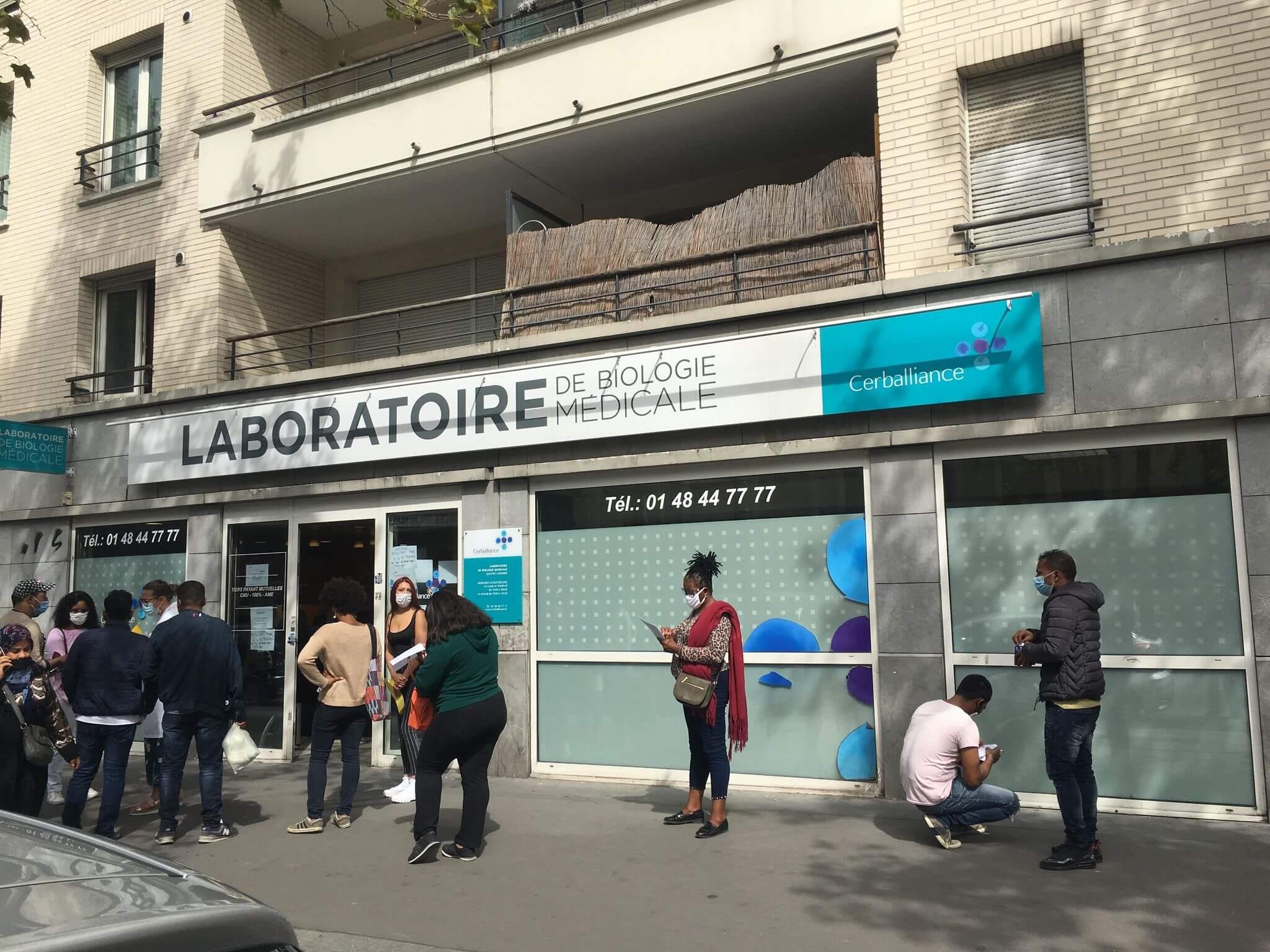 Tests Covid-19: à Aubervilliers, les labos ne désemplissent pas