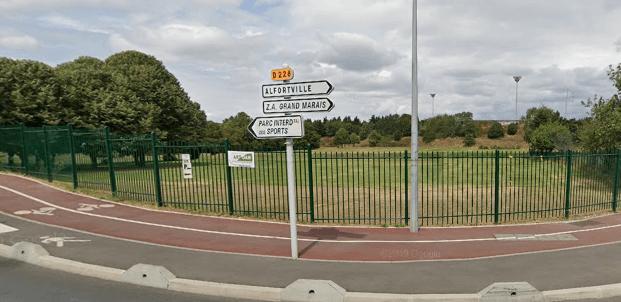 Un adolescent blessé par balle au parc des sports de Créteil