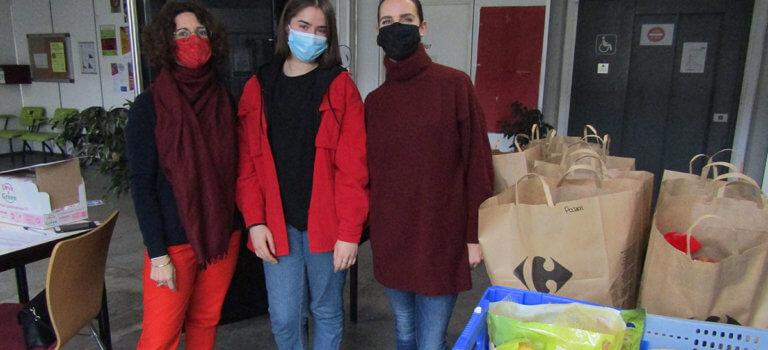 Université de Nanterre: distribution de paniers à la place de l'épicerie solidaire