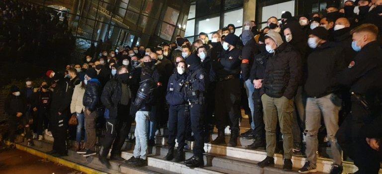Créteil: plus d'une centaine de policiers manifestent suite aux déclarations de Macron