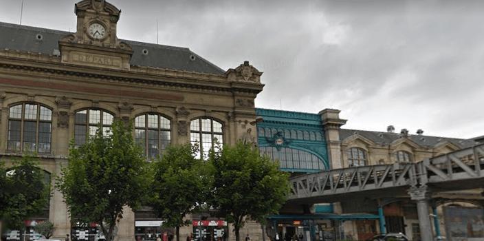 Une poutre en béton s'effondre sur les voies du RER C à Paris: trafic perturbé