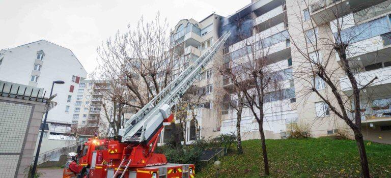Incendie à Noisy-le-Grand : trois pompiers légèrement blessés