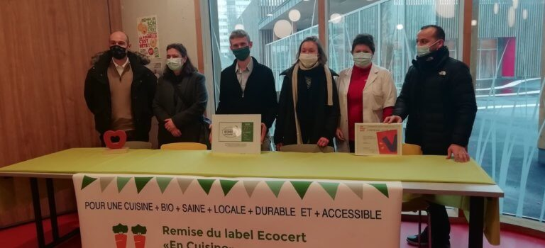 Cantines: Fontenay-sous-Bois décroche 2 carottes au label Ecocert