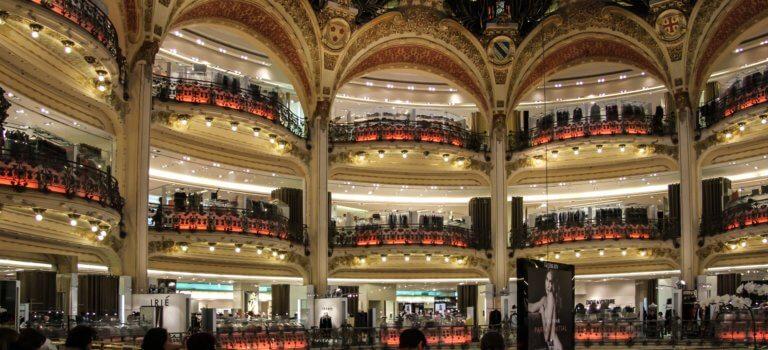 Covid-19: 5 centres commerciaux et 4 grands magasins fermés à Paris