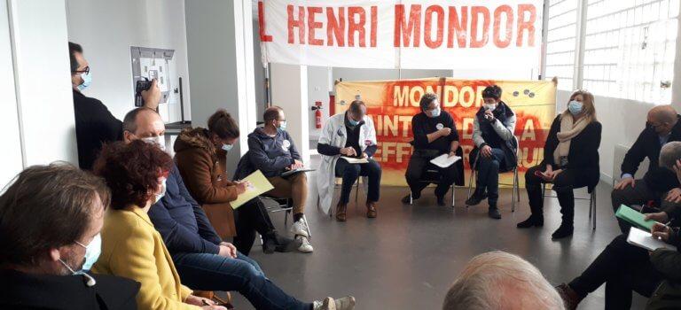 """Créteil: la mobilisation s'organise contre le """"dépeçage"""" de l'hôpital Mondor"""