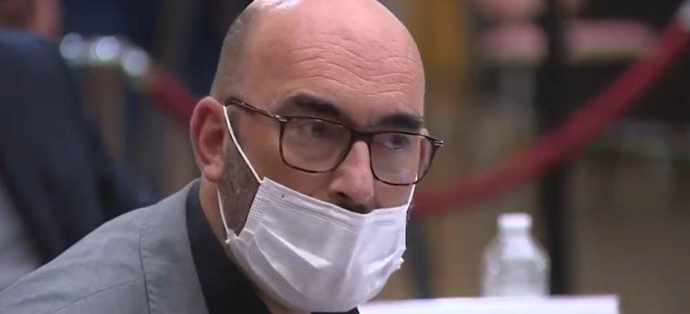 Vaccins Covid-19: Ivry-sur-Seine réclame des RDV collectifs pour emmener les seniors en car
