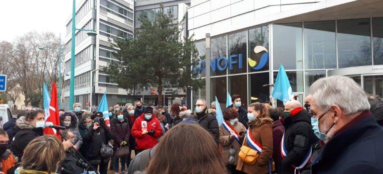 Gentilly : manifestation devant Sanofi pour dénoncer les coupes dans la recherche