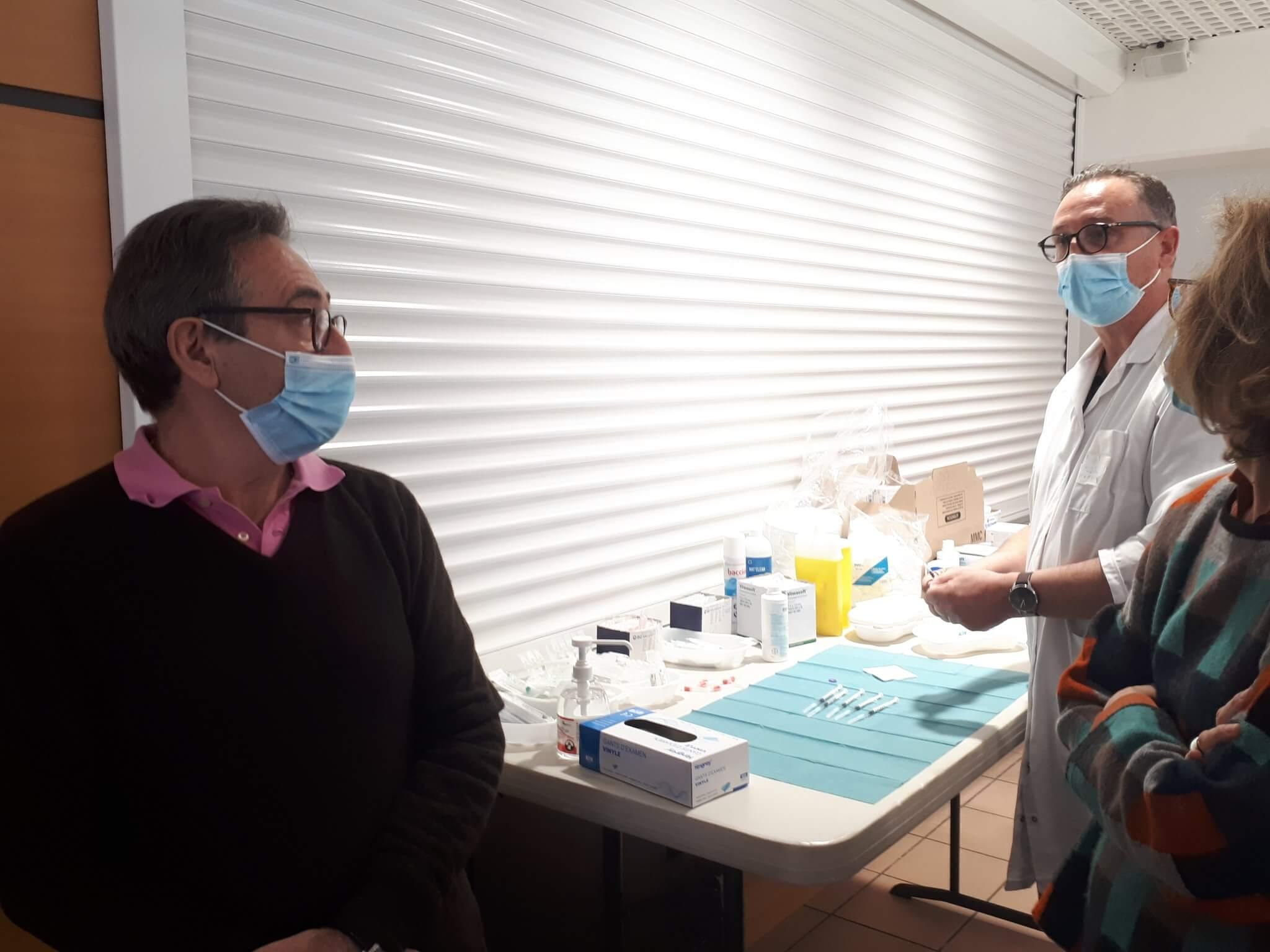 Sucy-en-Brie: le centre de vaccination Covid s'inquiète des restrictions de doses