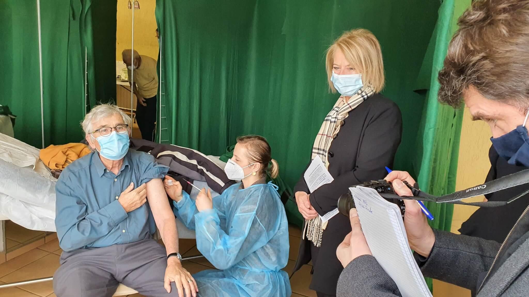 Vaccination Covid-19: des maires du Val-de-Marne demandent un